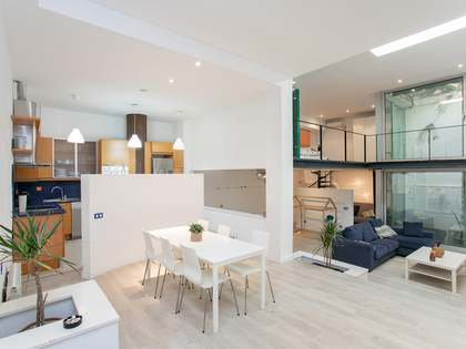 114m² Apartment with 10m² terrace for sale in Eixample Right