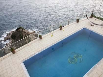 Exclusiva casa a primera línia de mar en venda a Lloret de Mar
