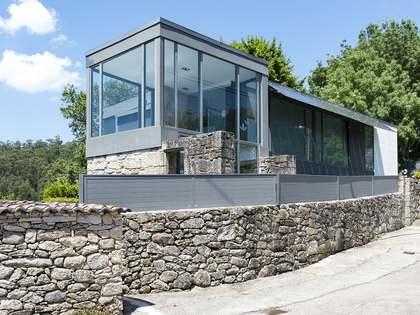 Casa / Vil·la de 281m² en venda a Pontevedra, Galicia