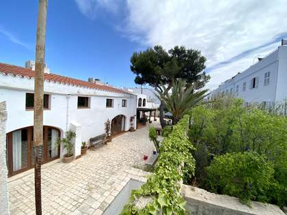 112m² House / Villa with 20m² garden for sale in Ciudadela