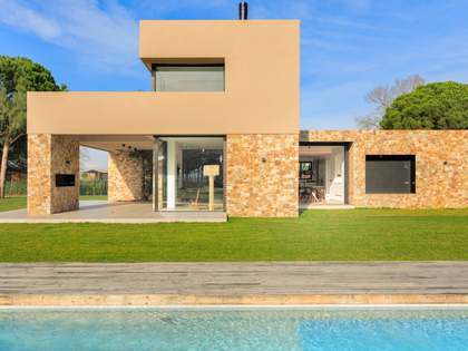 305 m² house for sale in Baix Empordà, Girona