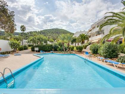 67 m² apartment with 12 m² terrace for sale in Santa Eulalia