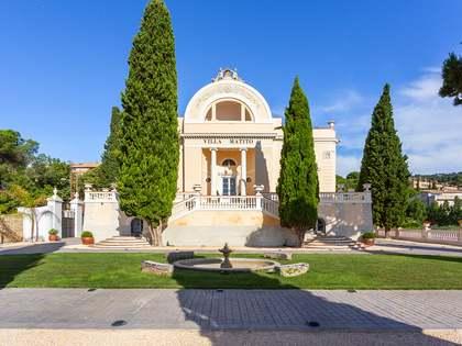 893 m² villa for sale in Tiana, Maresme