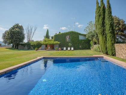 Renovated stone property for sale near Cruilles, Girona.