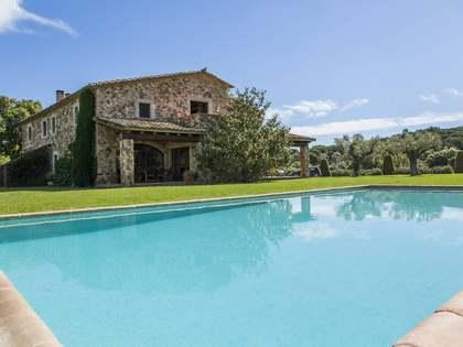 Landhuis van 692m² voor de korte termijn verhuur in Baix Emporda