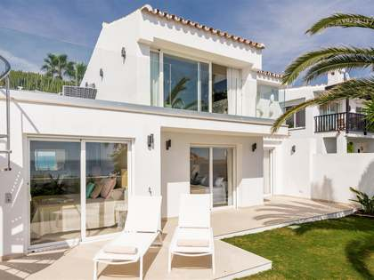 106m² House / Villa with 35m² terrace for sale in Estepona