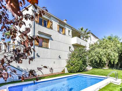 Casa / Vil·la de 221m² en venda a Cunit, Tarragona