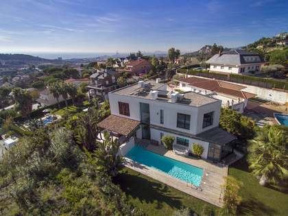495 m² villa for sale in Tiana, Maresme