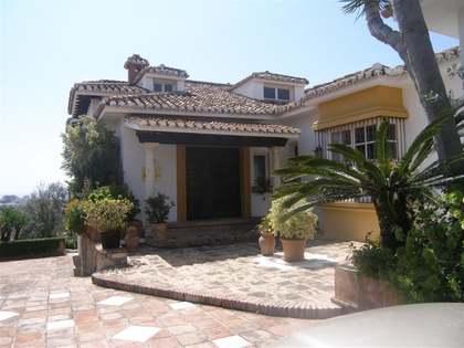 Villa de 5 dormitorios con total privacidad en venta en Mijas