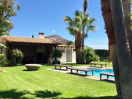 384 m² house with 250 m² garden for sale in Puerto Sagunto