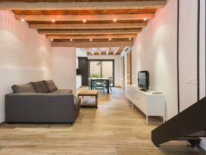 67 m² apartment with 25 m² terrace for sale in Gracia