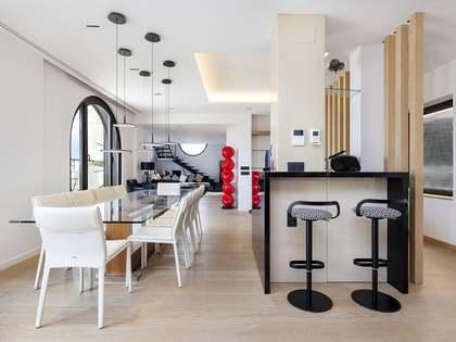 250m² Lägenhet med 40m² terrass till uthyrning i Eixample Höger