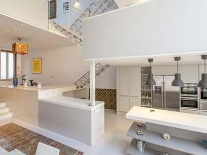 Huis / Villa van 137m² te koop met 54m² Tuin in Playa de la Malvarrosa