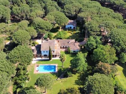 435m² House / Villa for sale in Santa Cristina, Costa Brava