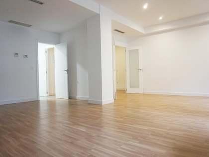 200 m² 4-bedroom apartment to rent on Cirilo Amorós