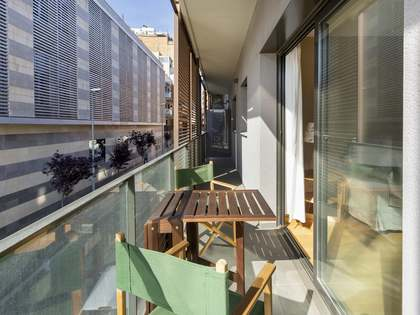 60m² apartment with 12m² terrace for sale in Eixample Right