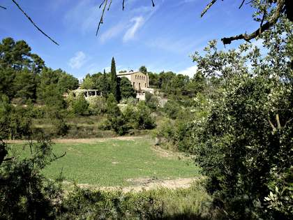 Magnificent Catalan masia to buy in Barcelona countryside