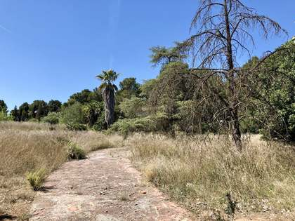 7,809 m² plot for sale in La Eliana, Valencia