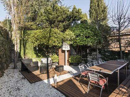 256m² House / Villa with 236m² garden for sale in Sarrià