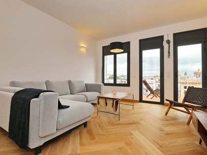 73m² apartment with 6m² terrace for sale in Eixample Left