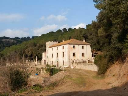 Huis / Villa van 936m² te koop in Arenys de Munt, Maresme