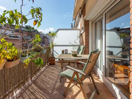 162m² Penthouse with 12m² terrace for sale in Turó Park