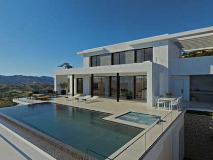 Дом / Вилла 565m², 193m² террасa на продажу в Cumbre del Sol