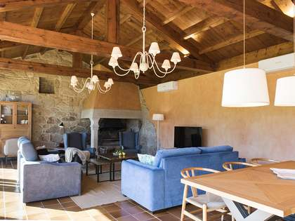 348m² House / Villa for sale in Pontevedra, Galicia