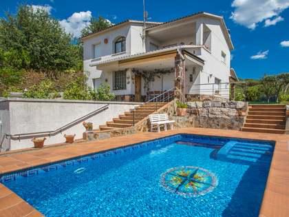 Дом площадью 252м² на продажу в Вальроманес, Маресме