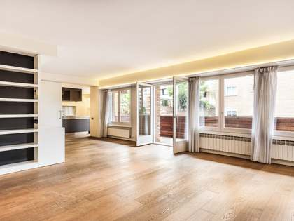 211m² apartment with a terrace for sale in Sant Gervasi