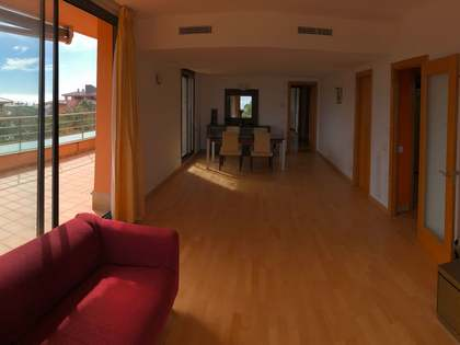 115 m² penthouse with 40 m² terrace for sale in Gavà Mar