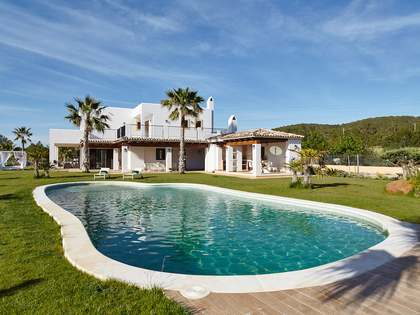 Villa for sale between San Rafael and San Antonio, Ibiza
