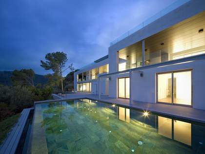 Luxury villa for sale in Son Vida, Mallorca with sea views.