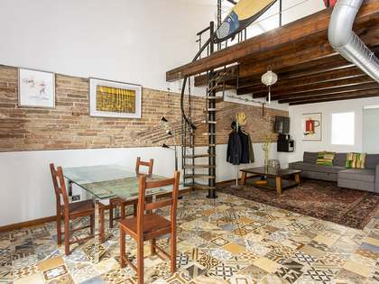 82m² Apartment with 7m² terrace for sale in Sants