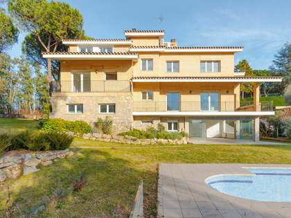 417m² House / Villa for sale in Palau, Girona