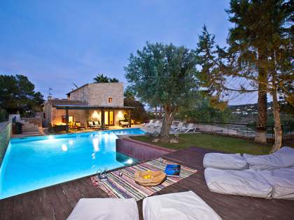 6-bedroom villa with pool to rent in San Agustin, Ibiza