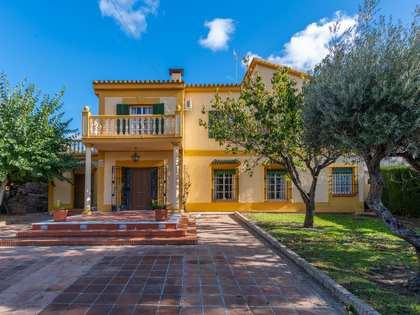 Huis / Villa van 210m² te koop met 835m² Tuin in Axarquia