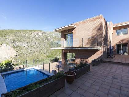 445 m² house for sale in Botigues de Sitges