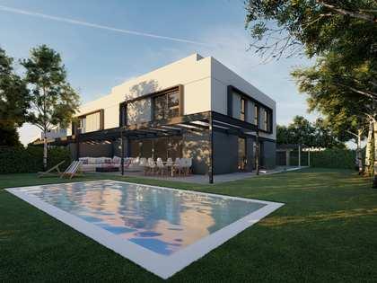 292m² Hus/Villa med 375m² Trädgård till salu i Pozuelo