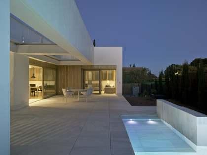 Casa / Villa di 530m² in affitto a Godella / Rocafort