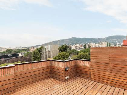 240 m² penthouse with 80 m² terrace for sale in Pedralbes