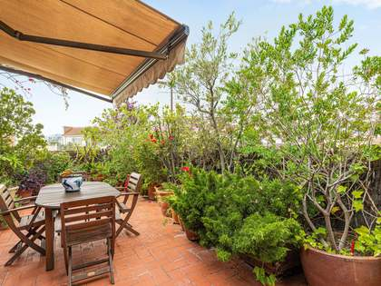 115m² Penthouse with 66m² terrace for sale in Eixample Right