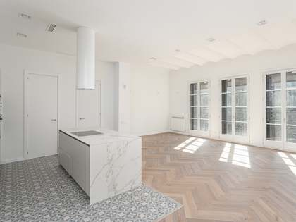 114m² Apartment with 12m² terrace for sale in El Born