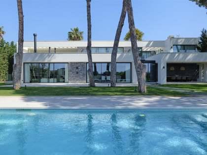Casa / Villa de 562m² con 116m² terraza en venta en Cabopino