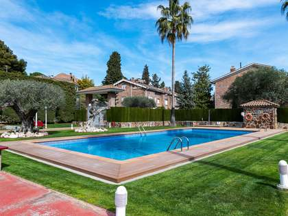 259 m² house for sale in Alella, Maresme