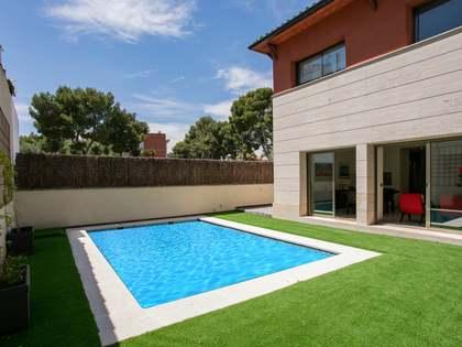 Huis / Villa van 194m² te koop in Terramar, Barcelona