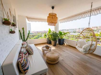 110m² Apartment with 10m² terrace for sale in Playa San Juan