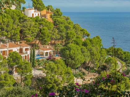Huis / Villa van 220m² te koop in Sa Riera / Sa Tuna