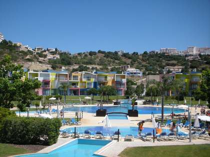 One bedroom Algarve apartment, to buy fully furnished. Albufeira.