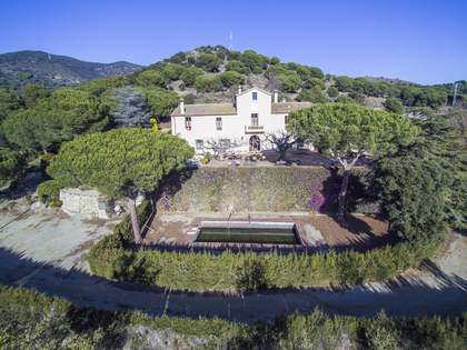 846 m² country house for sale in Tiana, Maresme